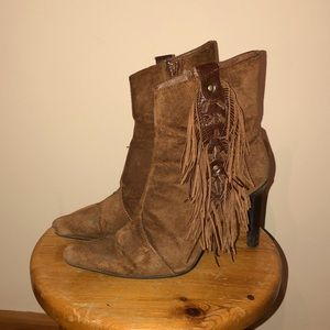 Booties 👢 👢 size 6 in Brown